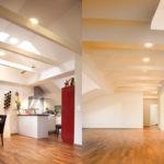 Frankfurt Dachgeschossausbau, links Küche, rechts Planung