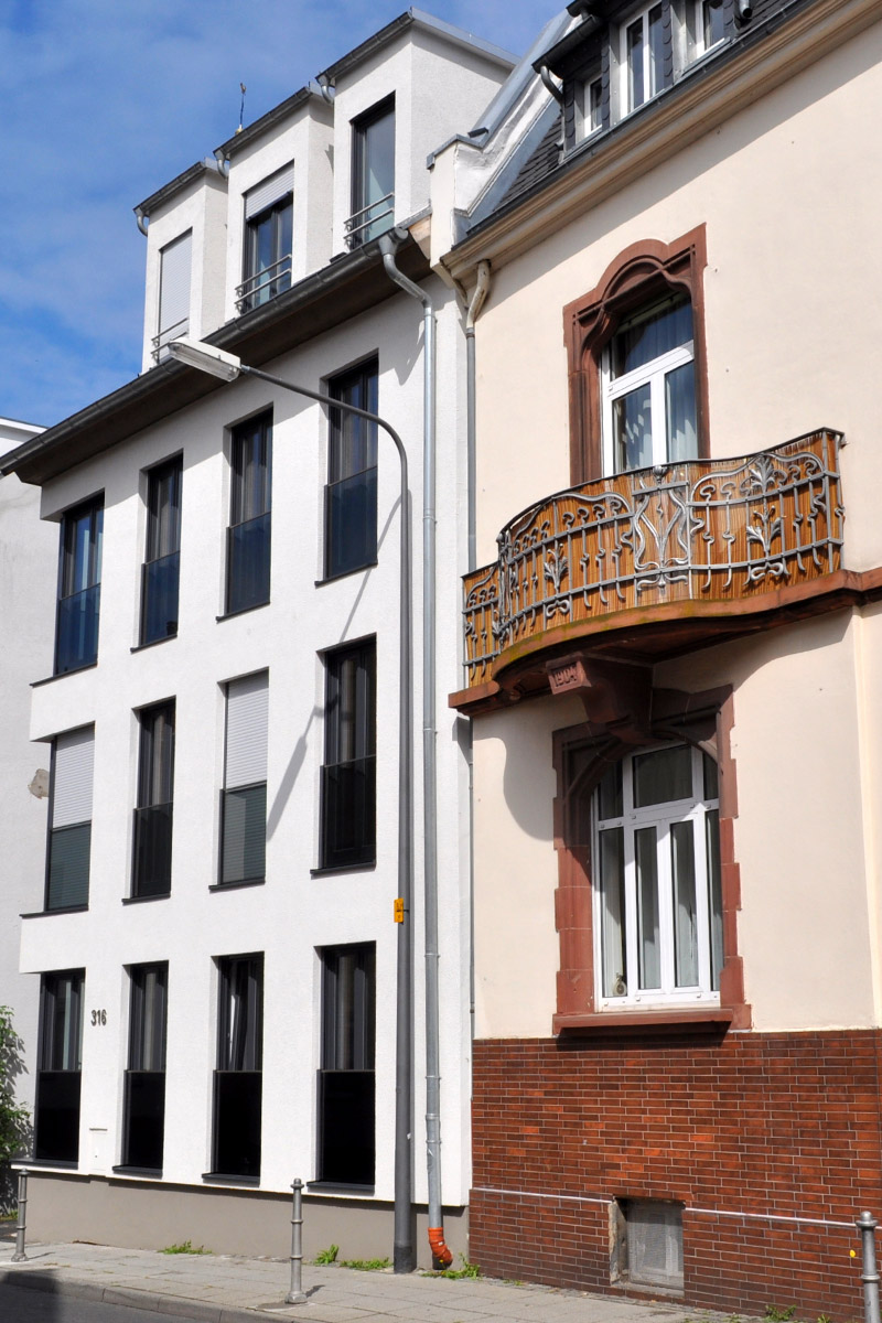 Frankfurt-Eckenheim Neubau in Baulücke