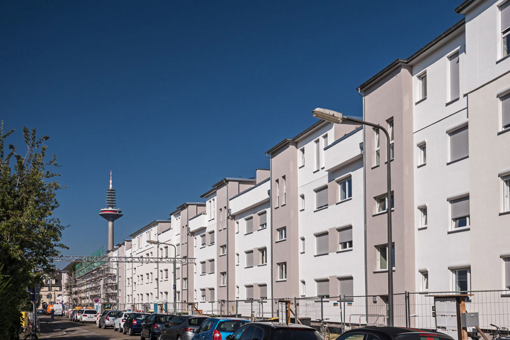 Frankfurt-Dornbusch, Spenerstraße
